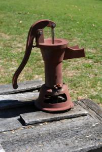 pump-1204460-639x954